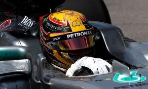 Mercedes tweaks W08 headrest design to avoid failure