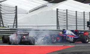 Kvyat taking on too much risk to save his seat - Alonso