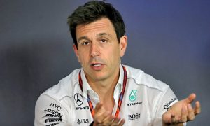 Wolff: Hamilton is keeping his options open