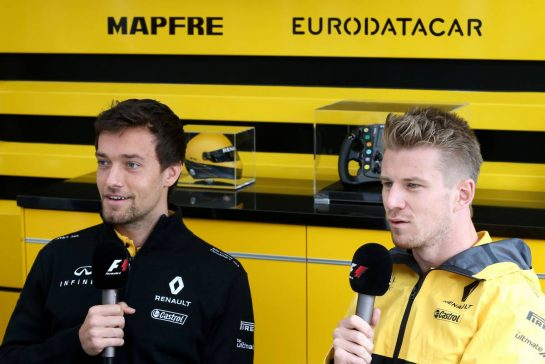 Jolyon Palmer (GBR) Renault Sport F1 Team  and Nico Hulkenberg (GER) Renault Sport F1 Team 