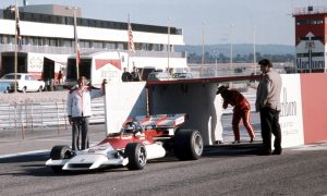 When a red and white smoking livery was introduced to F1