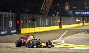 Ricciardo stays in charge in Singapore night practice