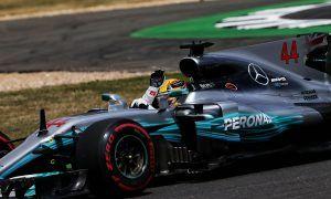 Grosjean sells out Hamilton at drivers' meeting!