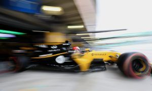 Renault favours efficiency over arms race to win title - Abiteboul