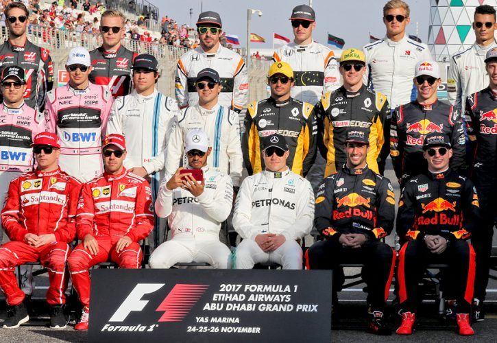 2017 season drivers group photograph, including world champion Lewis Hamilton