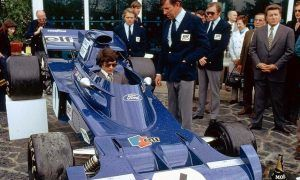A no-frills car launch back in François Cevert's day!