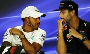 Hamilton urges Ricciardo not to 'rock the boat' during contract talks