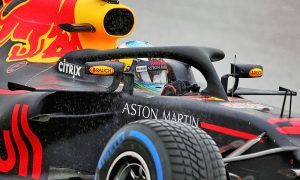 Ricciardo looks to April for Red Bull contract talks