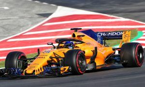McLaren can 'forget' the mid-field and join the front - Alonso