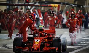 Ferrari mechanic suffers broken leg after pitstop blunder