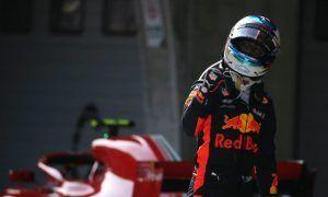 Ricciardo denies talking with Ferrari about 2019