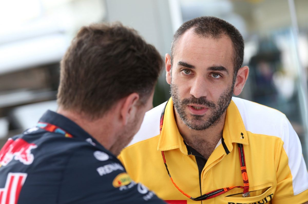 Cyril Abiteboul (FRA), Renault Sport F1 Managing Director. Christian Horner (GB), sporting director, Red Bull Racing.