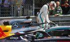 Daniel Ricciardo (AUS) Red Bull Racing RB14 and Lewis Hamilton (GBR) Mercedes AMG F1 W09.