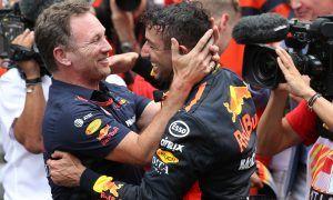 Horner praises 'no panic' Ricciardo after MGU-K failure