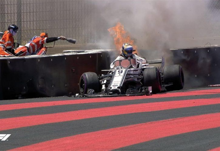 Marcus Ericsson crashes in FP1