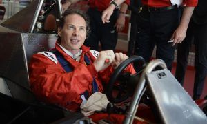 Villeneuve to lead drivers' parade with father's winning Ferrari