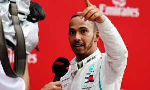 Hamilton lectures 'undermining' Sky F1 pundits on Instagram!