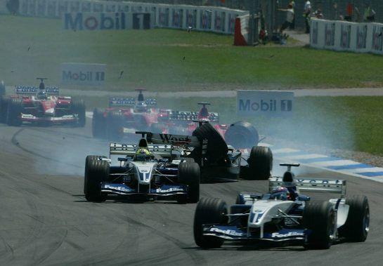 03.08.2003 Hockenheim, Deutschland,F1 am Hockenheimring, Start zum GP von Deutschland, CRASH / Unfall von Kimi Raikkonen, (Räikkönen, FIN, 06), West McLaren Mercedes, MP4-17D, auf der Strecke (Track) - Sonntag, Formel 1 Grand Prix (GP), Großer Preis von Deutschland 2003 (Länge 4.574m, Baden Württemberg) - Alle Bilder auf www.xpb.cc, eMail: info@xpb.cc - Abdruck ist honorarpflichtig. © Copyrightnachweis: photo4 / xpb.cc - LEGAL NOTICE: THIS PICTURE IS NOT FOR ITALY PRINT USE, KEINE PRINT BILDNUTZUNG IN ITALIEN!