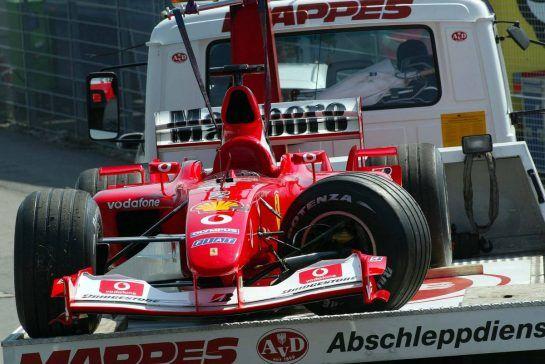 03.08.2003 Hockenheim, Deutschland,F1 am Hockenheimring, Rennen, der Wagen von Rubens Barrichello (BR, Ferrari) nach dem Crash - Sonntag, Formel 1 Grand Prix (GP), Großer Preis von Deutschland 2003 (Länge 4.574m, Baden Württemberg) - Alle Bilder auf www.xpb.cc, eMail: info@xpb.cc - Abdruck ist honorarpflichtig. © Copyrightnachweis: xpb.cc