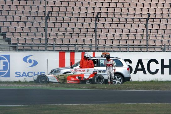 10.07.2008 Hockenheim, Germany, Giancarlo Fisichella (ITA), Force India F1 Team crashed in Sachs corner - Formula 1 Testing, Hockenheim - www.xpb.cc, EMail: info@xpb.cc - copy of publication required for printed pictures. Every used picture is fee-liable. © Copyright: Danny Sosef / xpb.cc