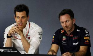 Horner puzzled by Mercedes' public apology to Hamilton