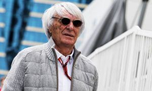 Ecclestone: 'Stupid regulations stop drivers racing'