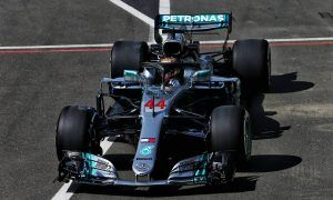 Hamilton and Mercedes lay down a marker in FP1