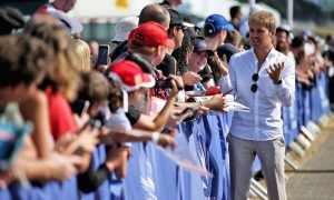 Rosberg talks up Ferrari, takes a dig at Hamilton