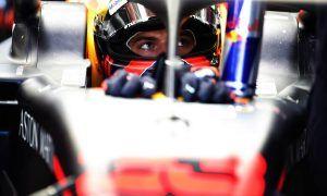 Verstappen brushes off oil leak scare after topping FP2