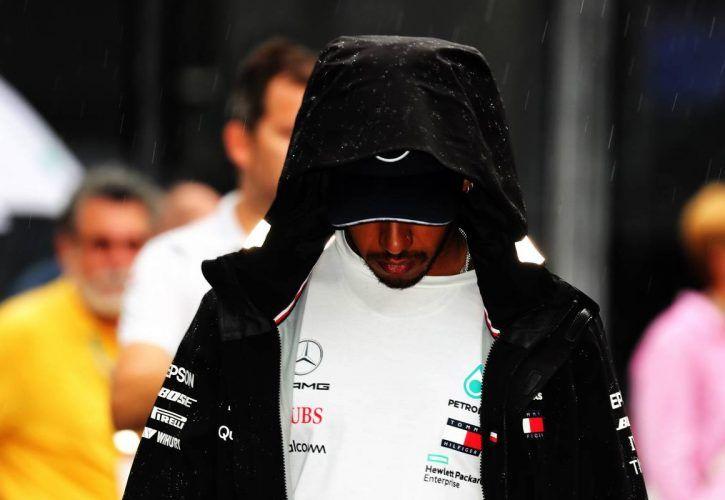 Lewis Hamilton worries fans with dark Instagram message
