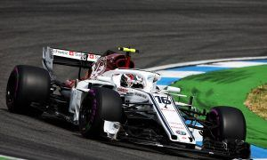 Leclerc overcomes braking issues to claim top ten start