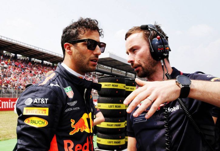 Daniel Ricciardo (AUS) Red Bull Racing with Simon Rennie (GBR) Red Bull Racing Race Engineer