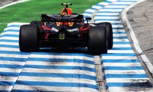 Ricciardo takes on new-spec Renault engine at Monza, and a grid penalty