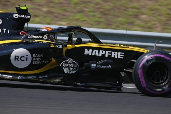 Carlos Sainz Jr (ESP) Renault F1 Team 28.07.2018. Formula 1 World Championship, Rd 12, Hungarian Grand Prix, Budapest, Hungary, Qualifying Day.- www.xpbimages.com, EMail: requests@xpbimages.com - copy of publication required for printed pictures. Every used picture is fee-liable. © Copyright: Charniaux / XPB Images