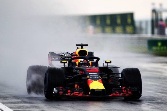 Daniel Ricciardo (AUS) Red Bull Racing RB14. 28.07.2018. Formula 1 World Championship, Rd 12, Hungarian Grand Prix, Budapest, Hungary, Qualifying Day. - www.xpbimages.com, EMail: requests@xpbimages.com - copy of publication required for printed pictures. Every used picture is fee-liable. © Copyright: Photo4 / XPB Images