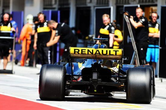 Nico Hulkenberg (GER) Renault Sport F1 Team RS18. 31.07.2018. Formula 1 Testing, Budapest, Hungary. - www.xpbimages.com, EMail: requests@xpbimages.com - copy of publication required for printed pictures. Every used picture is fee-liable. © Copyright: Charniaux / XPB Images