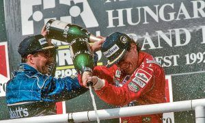 Mansell finally becomes world champion!