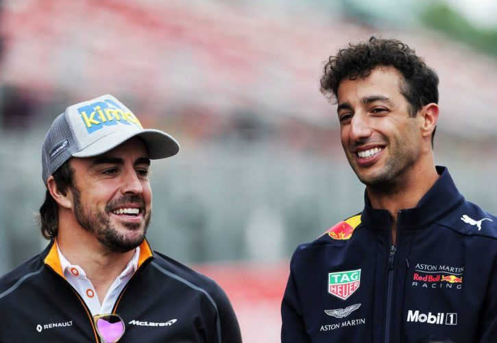 Fernando Alonso (ESP) McLaren and Daniel Ricciardo (AUS) Red Bull Racing.