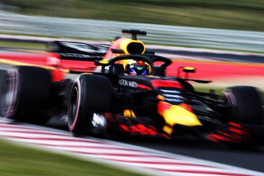 Jake Dennis (GBR) Red Bull Racing RB14 Test Driver. 01.08.2018. Formula 1 Testing, Budapest, Hungary. - www.xpbimages.com, EMail: requests@xpbimages.com - copy of publication required for printed pictures. Every used picture is fee-liable. © Copyright: Moy / XPB Images