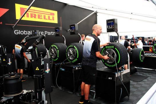 Pirelli tyre engineers. 23.08.2018. Formula 1 World Championship, Rd 13, Belgian Grand Prix, Spa Francorchamps, Belgium, Preparation Day. - www.xpbimages.com, EMail: requests@xpbimages.com - copy of publication required for printed pictures. Every used picture is fee-liable. © Copyright: Photo4 / XPB Images