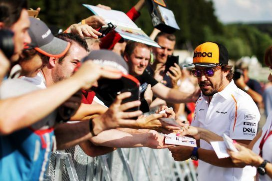 Fernando Alonso (ESP) McLaren signs autographs for the fans. 23.08.2018. Formula 1 World Championship, Rd 13, Belgian Grand Prix, Spa Francorchamps, Belgium, Preparation Day. - www.xpbimages.com, EMail: requests@xpbimages.com - copy of publication required for printed pictures. Every used picture is fee-liable. © Copyright: Moy / XPB Images
