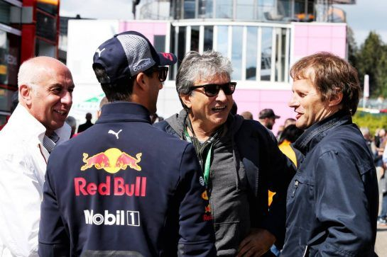Pasquale Lattuneddu (ITA) (Centre) with Daniel Ricciardo (AUS) Red Bull Racing and Michael Schmidt (GER) Journalist (Right). 25.08.2018. Formula 1 World Championship, Rd 13, Belgian Grand Prix, Spa Francorchamps, Belgium, Qualifying Day. - www.xpbimages.com, EMail: requests@xpbimages.com - copy of publication required for printed pictures. Every used picture is fee-liable. © Copyright: Moy / XPB Images