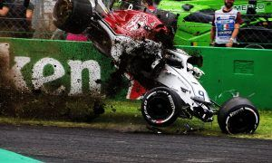 Big accident for Ericsson at start of FP2!