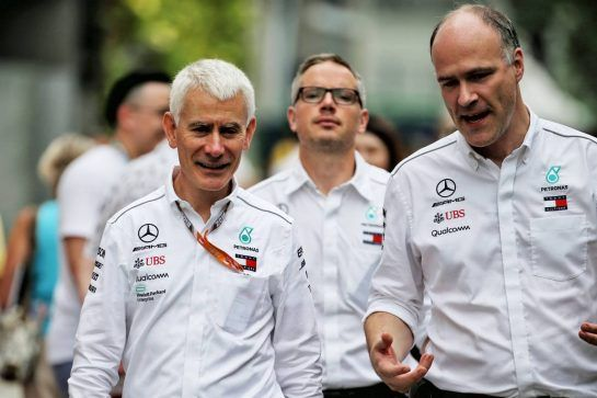 Geoff Willis (GBR) Mercedes AMG F1 Technology Director. 15.09.2018. Formula 1 World Championship, Rd 15, Singapore Grand Prix, Marina Bay Street Circuit, Singapore, Qualifying Day. - www.xpbimages.com, EMail: requests@xpbimages.com - copy of publication required for printed pictures. Every used picture is fee-liable. © Copyright: Batchelor / XPB Images