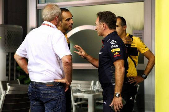 Christian Horner (GBR) Red Bull Racing Team Principal with Cyril Abiteboul (FRA) Renault Sport F1 Managing Director and Dr Helmut Marko (AUT) Red Bull Motorsport Consultant. 15.09.2018. Formula 1 World Championship, Rd 15, Singapore Grand Prix, Marina Bay Street Circuit, Singapore, Qualifying Day. - www.xpbimages.com, EMail: requests@xpbimages.com - copy of publication required for printed pictures. Every used picture is fee-liable. © Copyright: Batchelor / XPB Images