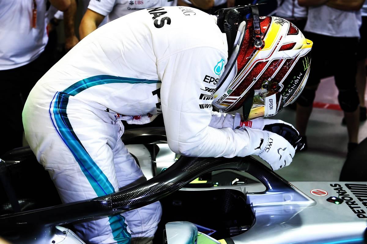 Lewis Hamilton (GBR) Mercedes AMG F1 W09 celebrates his pole position