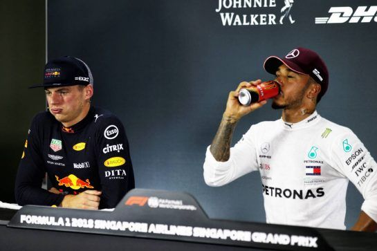 (L to R): Max Verstappen (NLD) Red Bull Racing and Lewis Hamilton (GBR) Mercedes AMG F1 in the post qualifying FIA Press Conference. 15.09.2018. Formula 1 World Championship, Rd 15, Singapore Grand Prix, Marina Bay Street Circuit, Singapore, Qualifying Day. - www.xpbimages.com, EMail: requests@xpbimages.com - copy of publication required for printed pictures. Every used picture is fee-liable. © Copyright: Batchelor / XPB Images