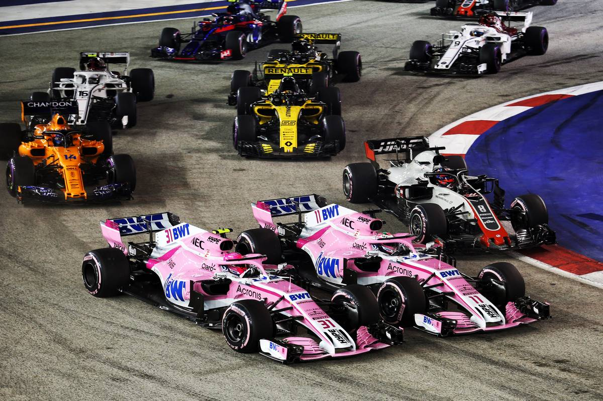 SIngapore Grand Prix: Esteban Ocon (FRA) Racing Point Force India F1 VJM11 and team mate Sergio Perez