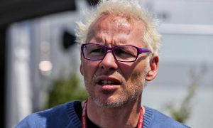 Villeneuve sees one big difference between Vettel and Hamilton