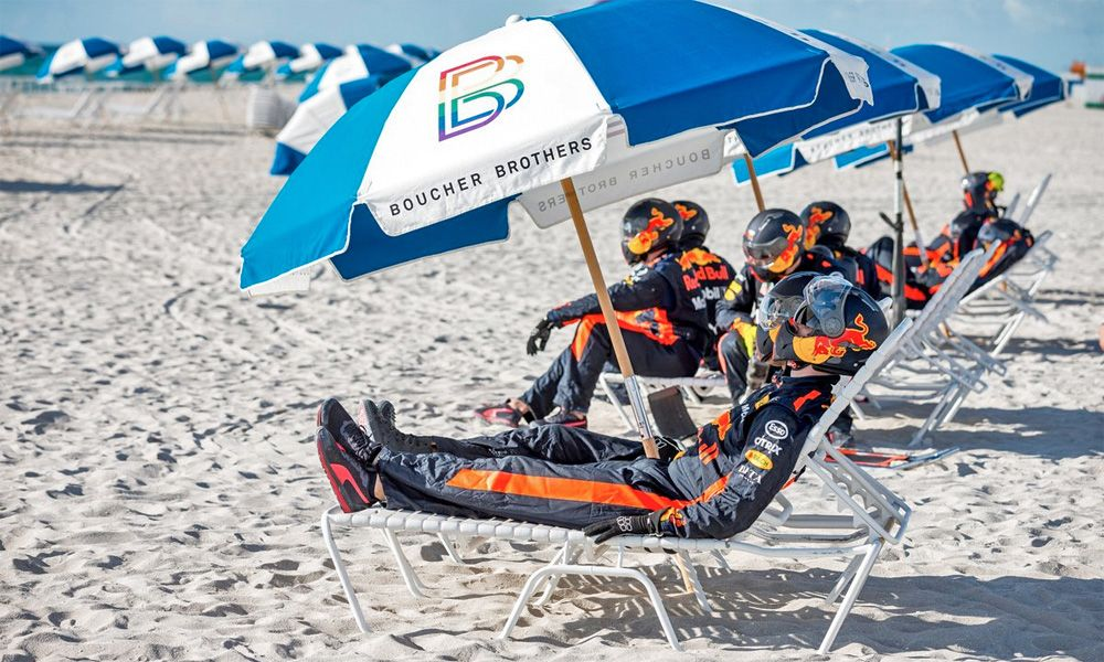Red Bull relaxes on the beach ahead of the 2018 US Grand Prix